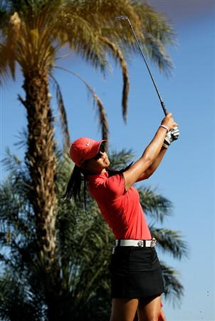 RANCHO MIRAGE, CA - APRIL 03:  Michelle Wie hits her tee shot on the 14th hole during the final round of the Kraft Nabisco Championship at Mission Hills Country Club on April 3, 2011 in Rancho Mirage, California.  (Photo by Stephen Dunn/Getty Images)