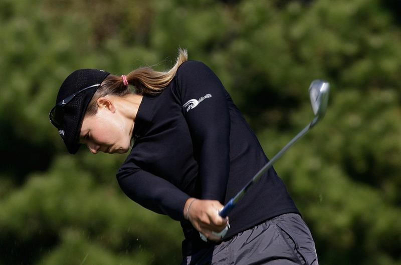 INCHEON, SOUTH KOREA - OCTOBER 30:  Vicky Hurst of United States hits a tee shot on the 3rd hole during the 2010 LPGA Hana Bank Championship at Sky 72 Golf Club on October 30, 2010 in Incheon, South Korea.  (Photo by Chung Sung-Jun/Getty Images)