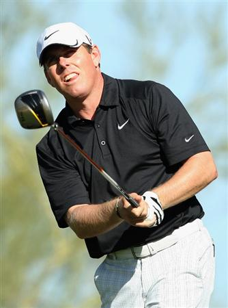 SCOTTSDALE, AZ - OCTOBER 23:  Justin Leonard hits a tee shot on the 18th hole during the second round of the Frys.com Open at Grayhawk Golf Club on October 23, 2009 in Scottsdale, Arizona.  (Photo by Christian Petersen/Getty Images)