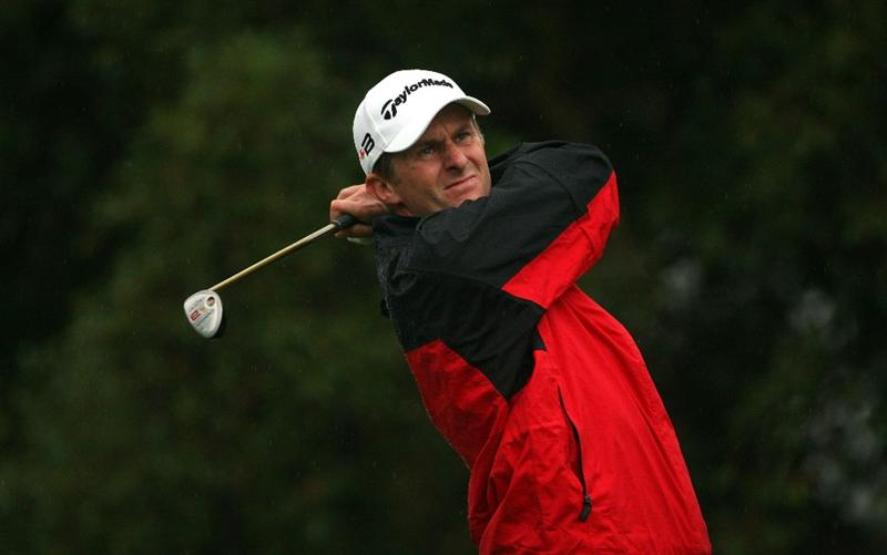 SOTOGRANDE, SPAIN - NOVEMBER 01:  David Lynn of England hits his tee-shot on the second hole during the second round of the Volvo Masters at Valderrama Golf Club on November 1, 2008 in Sotogrande, Spain.  (Photo by Andrew Redington/Getty Images)