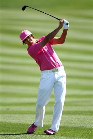 MARANA, AZ - FEBRUARY 24:  Rickie Fowler hits an approach shot on the second hole during the second round of the Accenture Match Play Championship at the Ritz-Carlton Golf Club on February 24, 2011 in Marana, Arizona.  (Photo by Andy Lyons/Getty Images)