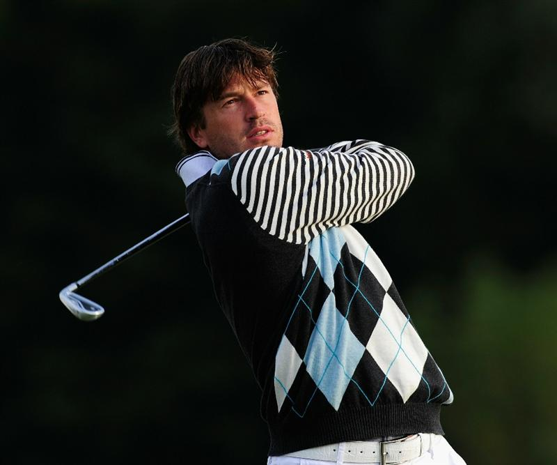 PARIS - SEPTEMBER 23:  Robert Jan Derksen of The Netherlands plays his tee shot on the second hole during the first round of the Vivendi cup at Golf de Joyenval on September 22, 2010 in Chambourcy, near Paris, France.  (Photo by Stuart Franklin/Getty Images)
