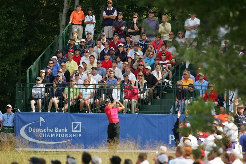 NORTON, MA - SEPTEMBER 07:  Tiger Woods hits hs drive on the first hole during the final round of the Deutsche Bank Championship at TPC Boston held on September 7, 2009 in Norton, Massachusetts.  (Photo by Michael Cohen/Getty Images)