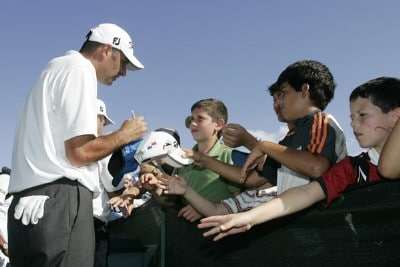 Marc Turnesa signs autographs for fans after leading the third round of the Movistar Panama Championship held at Club de Golf de Panama in Panama City, Republica De Panama, on January 27, 2007. Photo by: Stan Badz/PGA TOURPhoto by: Stan Badz/PGA TOUR