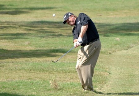 Steve Lowery plays from the rough on the fifth hole during the final round of the 2005 Chrysler Championship at the Westin Innsbrook Resort, Copperhead Course in Palm Harbor, Florida on October 30, 2005.Photo by Al Messerschmidt/WireImage.com