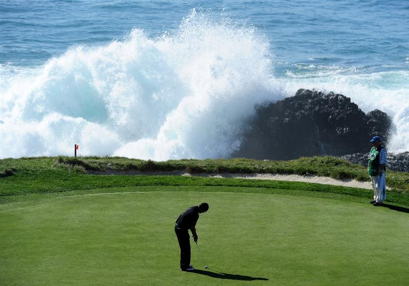 PEBBLE BEACH, CA - FEBRUARY 14:  Alex Cejka of Germany putting on the seventh hole during the final round of the AT&T Pebble Beach National Pro-Am at Pebble Beach Golf Links on February 14, 2010 in Pebble Beach, California.  (Photo by Stuart Franklin/Getty Images)
