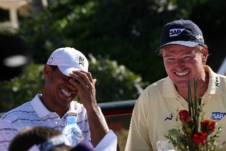 DUBAI, UNITED ARAB EMIRATES - JANUARY 29:  Tiger Woods of the USA and Ernie Els of South Africa before the Dubai Desert Classic Challenge Match, held on the par 3, course at the Emirates Golf Club, on January 29, 2007 in Dubai, United Arab Emirates.  (Photo by David Cannon/Getty Images)
