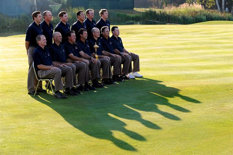 LOUISVILLE, KY - SEPTEMBER 17:  (L-R bottom row) Steve Stricker, Stewart Cink, Phil Mickelson, Paul Azinger (captain), Jim Furyk, Kenny Perry, Chad Campbell (L-R top row) Ben Curtis, Boo Weekley, Justin Leonard, Anthony Kim, J.B. Holmes and Hunter Mahan of the USA team pose during the USA team photo shoot prior to the 2008 Ryder Cup at Valhalla Golf Club on September 17, 2008 in Louisville, Kentucky.  (Photo by Harry How/Getty Images)
