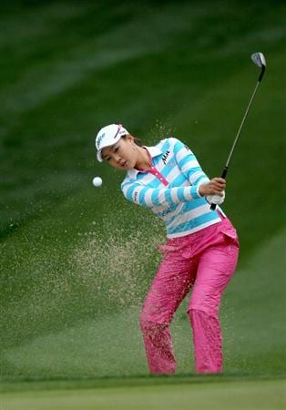 RANCHO MIRAGE, CA - APRIL 01:  Hee Kyung Seo of South Korea hits from a bunker on the 11th hole during the first round of the Kraft Nabisco Championship at Mission Hills Country Club on April 1, 2010 in Rancho Mirage, California.  (Photo by Stephen Dunn/Getty Images)
