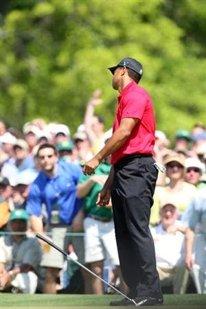 AUGUSTA, GA - APRIL 12:  Tiger Woods reacts to a missed putt on the seventh green during the final round of the 2009 Masters Tournament at Augusta National Golf Club on April 12, 2009 in Augusta, Georgia.  (Photo by David Cannon/Getty Images)