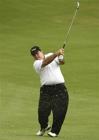 MELBOURNE, AUSTRALIA - NOVEMBER 12:  Craig Parry of Australia plays a shot round 2 of the Australian Masters at The Victoria Golf Club on November 12, 2010 in Melbourne, Australia.  (Photo by Lucas Dawson/Getty Images)