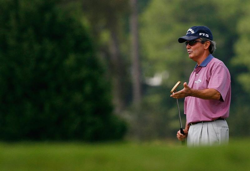 CARY, NC - SEPTEMBER 28:  Mark McNulty lines up a birdie putt on the third green during the final round of the 2008 SAS Championship at Prestonwood Country Club on September 28, 2008 in Cary, North Carolina.  (Photo by Kevin C. Cox/Getty Images)