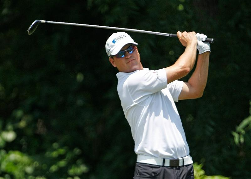FT. WORTH, TX - MAY 30:  Zach Johnson hits his tee shot on the sixth hole  during the final round of the 2010 Crowne Plaza Invitational at the Colonial Country Club on May 30, 2010 in Ft. Worth, Texas.  (Photo by Scott Halleran/Getty Images)