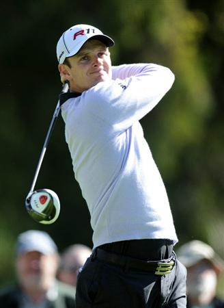 PACIFIC PALISADES, CA - FEBRUARY 20:  Justin Rose hits a tee shot on the second hole during the fourth round of the Northern Trust Open at the Riviera Country Club on February 20, 2011 in Pacific Palisades, California.  (Photo by Harry How/Getty Images)