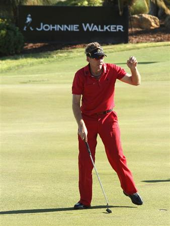 PERTH, AUSTRALIA - FEBRUARY 19:  Ian Poulter of England holes out for birdie at the 18th hole during the first round of the 2009 Johnnie Walker Classic tournament at the Vines Resort and Country Club, on February 19, 2009, in Perth, Australia  (Photo by David Cannon/Getty Images)