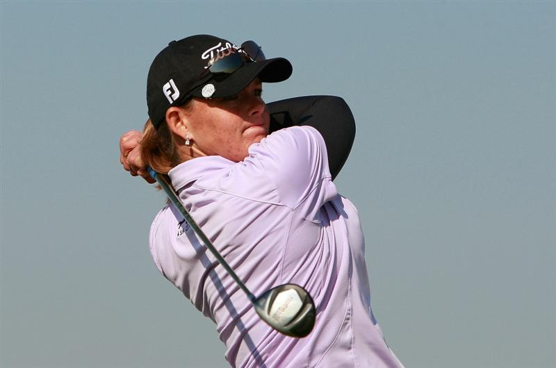 INCHEON, SOUTH KOREA - OCTOBER 30:  Katherine Hull of Australia hits a tee shot on the 16th hole during the 2010 LPGA Hana Bank Championship at Sky 72 Golf Club on October 30, 2010 in Incheon, South Korea.  (Photo by Chung Sung-Jun/Getty Images)