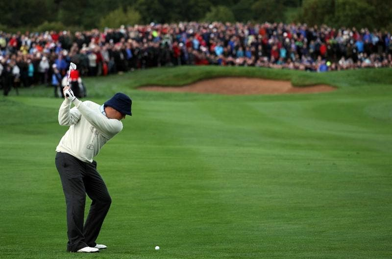 NEWPORT, WALES - OCTOBER 01:  Jeff Overton of the USA hits his 2nd shot on the 6th hole during the Morning Fourball Matches during the 2010 Ryder Cup at the Celtic Manor Resort on October 1, 2010 in Newport, Wales. (Photo by Jamie Squire/Getty Images)