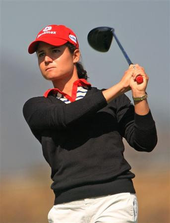 HUIXQUILUCAN, MEXICO - MARCH 20:  Lorena Ochoa of Mexico watches her tee shot on the fifth hole during the first round of the MasterCard Classic at the BosqueReal Country Club on March 20, 2009 in Huixquiucan, Mexico.  (Photo by Scott Halleran/Getty Images)