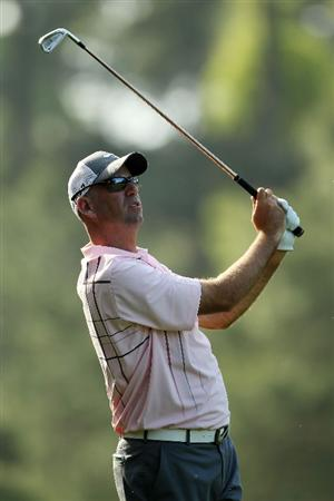AUGUSTA, GA - APRIL 07:  Stewart Cink hits his second shot on the 14th hole during the first round of the 2011 Masters Tournament at Augusta National Golf Club on April 7, 2011 in Augusta, Georgia.  (Photo by Jamie Squire/Getty Images)