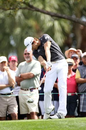 PALM BEACH GARDENS, FL - MARCH 03:  Camilo Villegas of Columbia plays a shot on the 4th hole during the first round of The Honda Classic at PGA National Resort and Spa on March 3, 2011 in Palm Beach Gardens, Florida.  (Photo by Sam Greenwood/Getty Images)