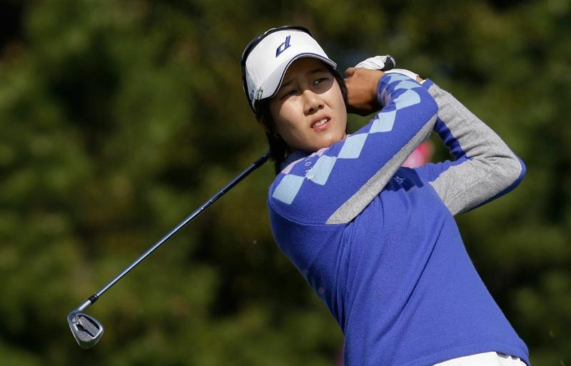 INCHEON, SOUTH KOREA - OCTOBER 31:  Kim Song-Hee of South Korea hits a tee shot on the 3rd hole during the 2010 LPGA Hana Bank Championship at Sky 72 Golf Club on October 31, 2010 in Incheon, South Korea.  (Photo by Chung Sung-Jun/Getty Images)