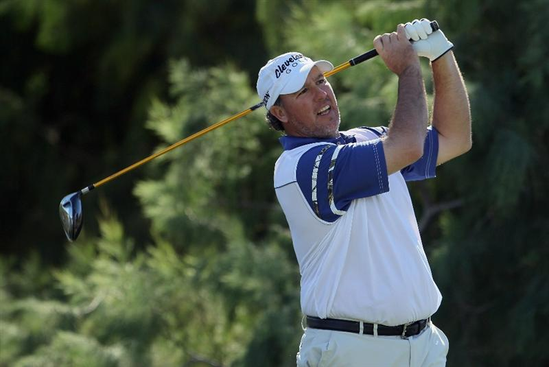 LA QUINTA, CA - JANUARY 20:  Boo Weekley hits a tee shot on the 16th hole during the second round of the Bob Hope Classic at the Nicklaus Private course at PGA West on January 20, 2011 in La Quinta, California.  (Photo by Jeff Gross/Getty Images)