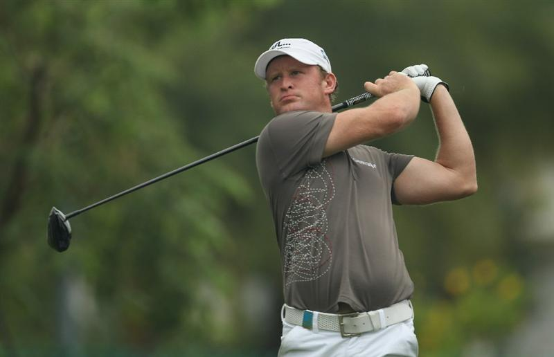 SINGAPORE - NOVEMBER 13:  Jamie Donaldson of Wales in action during the Final Round of the Barclays Singapore Open at Sentosa Golf Club on November 14, 2010 in Singapore, Singapore.  (Photo by Ian Walton/Getty Images)