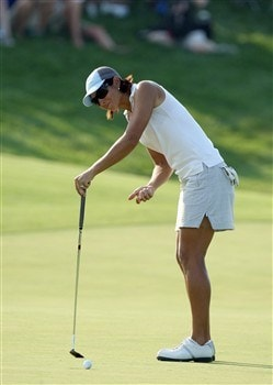 HAVRE DE GRACE, MD - JUNE 08:  Laura Diaz of the USA just fails to hole a birdie putt at the 18th hole to force herself into the play-off during the final round of the 2008 McDonald's LPGA Championship held at Bulle Rock Golf Course, on June 8, 2008 in Havre de Grace, Maryland.  (Photo by David Cannon/Getty Images)