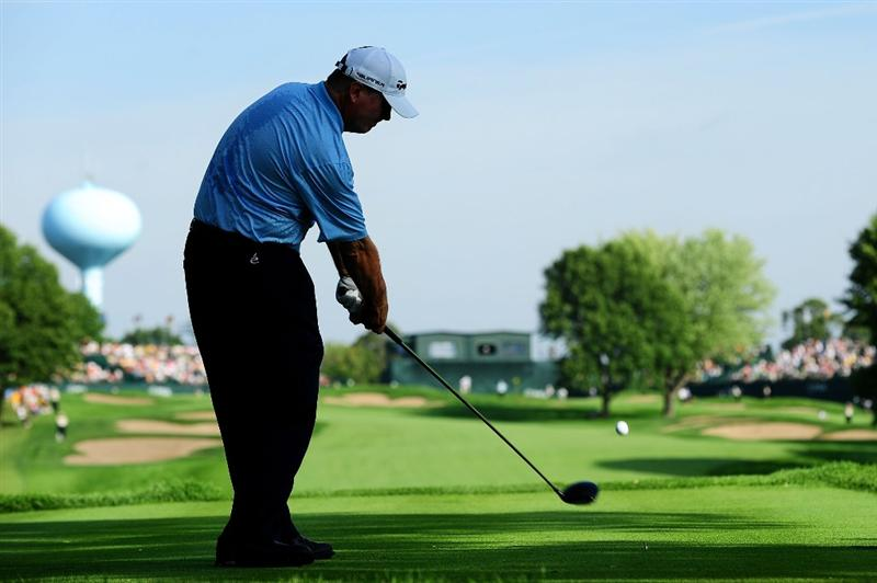 CHASKA, MN - AUGUST 13:  Paul Goydos hits his tee on the ninth hole during the first round of the 91st PGA Championship at Hazeltine National Golf Club on August 13, 2009 in Chaska, Minnesota.  (Photo by Stuart Franklin/Getty Images)