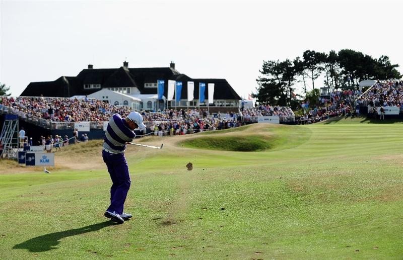 ZANDVOORT, NETHERLANDS - AUGUST 23:  Simon Dyson of England plays his approach shot on the 18th hole during the final round of The KLM Open at Kennemer Golf & Country Club on August 23, 2009 in Zandvoort, Netherlands.  (Photo by Stuart Franklin/Getty Images)