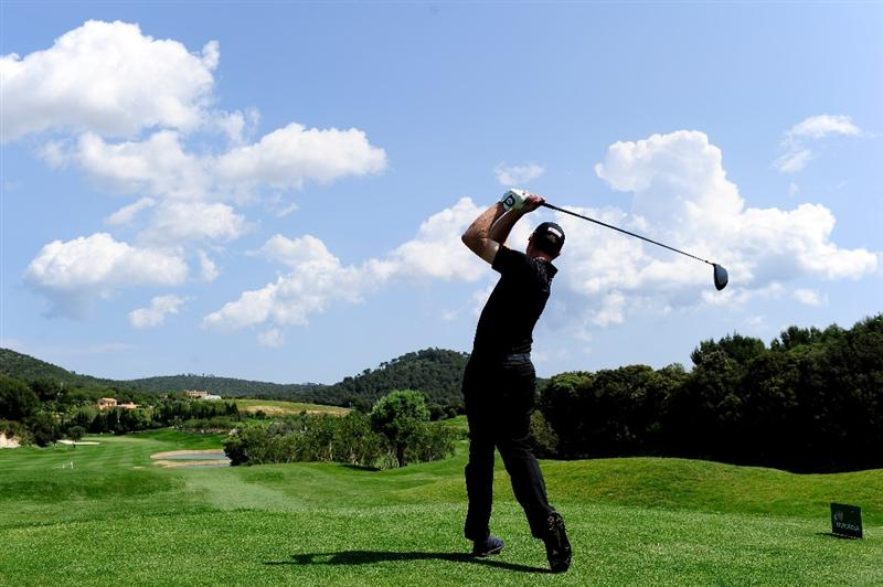 MALLORCA, SPAIN - MAY 13:  Soren Hansen of Denmark plays his tee shot fourth hole during the first round of the Open Cala Millor Mallorca at Pula golf club on May 13, 2010 in Mallorca, Spain.  (Photo by Stuart Franklin/Getty Images)