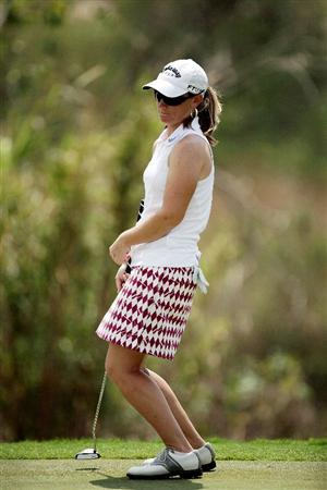 BANGKOK, THAILAND - FEBRUARY 27:  Kristy McPherson of the USA plays her 3rd shot on the 3rd hole during day two of the Honda LPGA Thailand 2009 at Siam Country Club Plantation on February 27, 2009 in Pattaya, Chonburi, Thailand. (Photo by Chumsak Kanoknan/Getty Images)