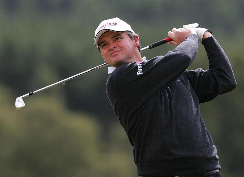 INVERNESS, SCOTLAND - AUGUST 01: Paul Lawrie of Scotland tees off from the 1st hole during the Scottish Hydro Challenge at the Macdonald Spey Valley Golf Course on August 01, 2009 in Inverness, Scotland. (Photo by Tom Dulat/Getty Images)