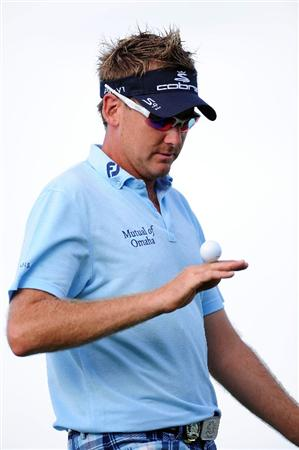 CHASKA, MN - AUGUST 13:  Ian Poulter of England juggles his golf ball on the 16th  hole during the first round of the 91st PGA Championship at Hazeltine National Golf Club on August 13, 2009 in Chaska, Minnesota.  (Photo by Stuart Franklin/Getty Images)