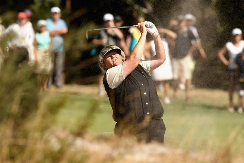 MELBOURNE, AUSTRALIA - FEBRUARY 15: Laura Davies of England plays out of the bunker on the sixteenth hole during day four of the 2009 Women's Australian Open held at the Metropolitan Golf Club on February 15, 2009 in Melbourne, Australia.  (Photo by Quinn Rooney/Getty Images)