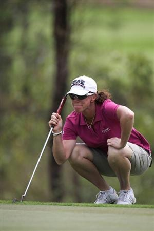 BANGKOK, THAILAND - FEBRUARY 27:  Helen Alfredsson of Sweden lines up a putt on the 3rd hole during day two of the Honda LPGA Thailand 2009 at Siam Country Club Plantation on February 27, 2009 in Pattaya, Chonburi, Thailand. (Photo by Chumsak Kanoknan/Getty Images)