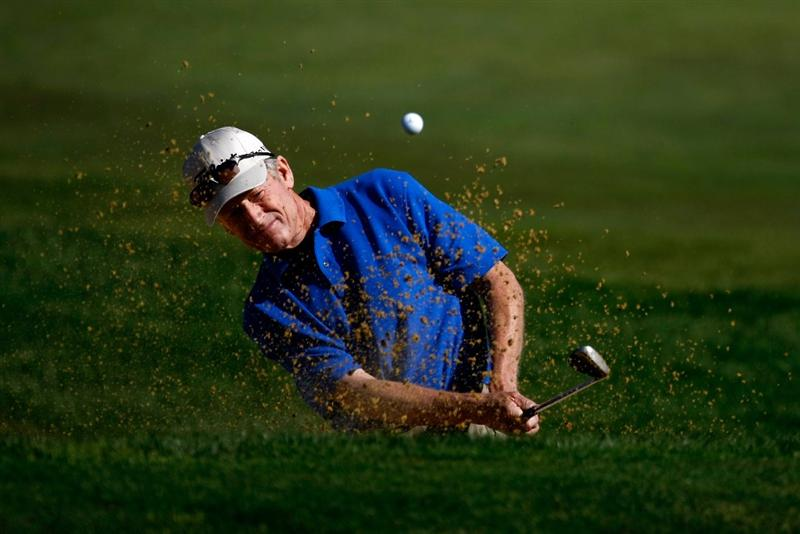 SUNRIVER, OR - AUGUST 23:  Mike Reid hits out of the bunker on the 1st hole during the final round of the Jeld-Wen Tradition on August 23, 2009 at  the Crosswater Club at Sunriver Resort in Sunriver, Oregon.  (Photo by Jonathan Ferrey/Getty Images)