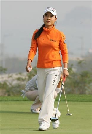 INCHEON, SOUTH KOREA - OCTOBER 30:  Hee-Young-Park of South Korea in the 12th hole during round one of Hana Bank Kolon Championship at Sky 72 Golf Club on October 30, 2009 in Incheon, South Korea.  (Photo by Chung Sung-Jun/Getty Images)