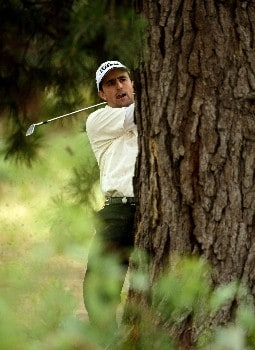 MELBOURNE, AUSTRALIA - NOVEMBER 22: Heath Reed of Australia hits out of the rough during round one of the MasterCard Masters held at Huntingdale Golf Course November 22, 2007 in Melbourne, Australia.  (Photo by Robert Cianflone/Getty Images)