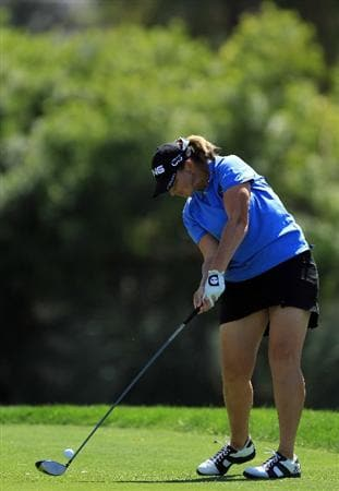 RANCHO MIRAGE, CA - APRIL 03:  Angela Stanford of the USA plays her tee shot on the par 4, 6th hole during the final round of the 2011 Kraft Nabisco Championship on the Dinah Shore Championship Course at the Mission Hills Country Club on April 3, 2011 in Rancho Mirage, California.  (Photo by David Cannon/Getty Images)