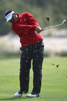 DOHA, QATAR - JANUARY 24:  Mardan Mamat of Singapore in action on the 18th hole during the first round of the Commercial Bank Qatar Masters held at the Doha Golf Club on January 24, 2008 in Doha,Qatar.  (Photo by Ross Kinnaird/Getty Images)
