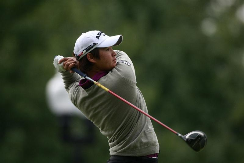 ROGERS, AR - SEPTEMBER 13:  Yani Tseng of Taiwan watches her drive from the first tee during final round play in the P&G Beauty NW Arkansas Championship at the Pinnacle Country Club on September 13, 2009 in Rogers, Arkansas.  (Photo by Dave Martin/Getty Images)