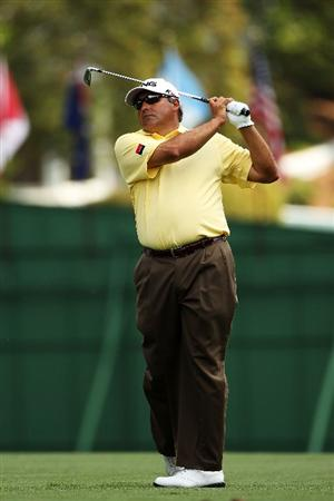 AUGUSTA, GA - APRIL 09:  Angel Cabrera of Argentina watches his approach shot on the first hole during the third round of the 2011 Masters Tournament at Augusta National Golf Club on April 9, 2011 in Augusta, Georgia.  (Photo by Andrew Redington/Getty Images)