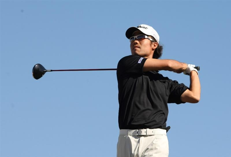 SCOTTSDALE, AZ - FEBRUARY 01:  Kevin Na hits his tee shot 11th hole during the final round of the FBR Open on February 1, 2009 at TPC Scottsdale in Scottsdale, Arizona.  (Photo by Stephen Dunn/Getty Images)