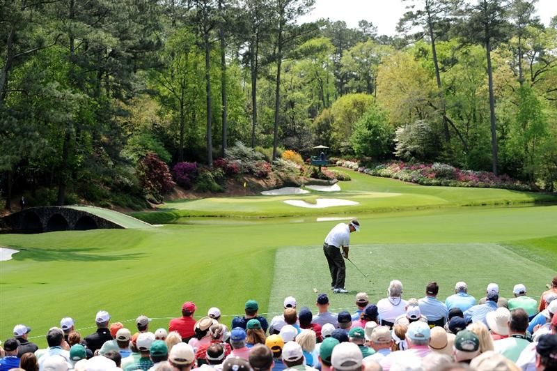 AUGUSTA, GA - APRIL 10:  Kenny Perry hits his tee shot on the 12th hole during the second round of the 2009 Masters Tournament at Augusta National Golf Club on April 10, 2009 in Augusta, Georgia.  (Photo by Harry How/Getty Images)