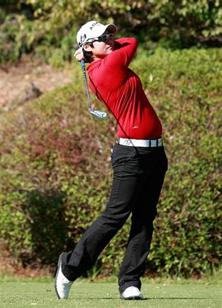 SHIMA, JAPAN - NOVEMBER 05:  Yani Tseng of Taiwan plays a shot on the 5th hole during round one of the Mizuno Classic at Kintetsu Kashikojima Country Club on November 5, 2010 in Shima, Japan.  (Photo by Chung Sung-Jun/Getty Images)