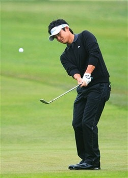 SAN DIEGO - JUNE 10:  Ryuji Imada of Japan chips during the second day of previews to the 108th U.S. Open at the Torrey Pines Golf Course (South Course) on June 10, 2008 in San Diego, California.  (Photo by Scott Halleran/Getty Images)