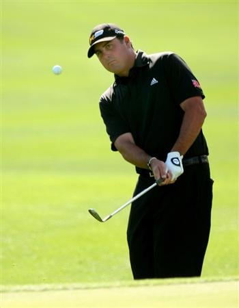 LA QUINTA, CA - JANUARY 25:  Par Perez pitches onto the second green on the Palmer Private course at PGA West during the final round of the Bob Hope Chrysler Classic on January 25, 2009 in La Quinta, California.  (Photo by Stephen Dunn/Getty Images)