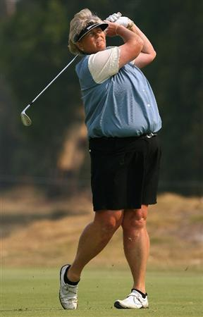 MELBOURNE, AUSTRALIA - FEBRUARY 14:  Laura Davies of England hits her second shot on the first hole during day three of the 2009 Women's Australian Open held at the Metropolitan Golf Club February 14, 2009 in Melbourne, Australia.  (Photo by Robert Prezioso/Getty Images)