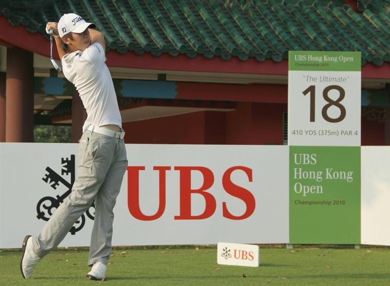 HONG KONG - NOVEMBER 17:  Noh Seung-Yul of South Korea tees off on the 18th hole during previews ahead of the USB Hong Kong Open at The Hong Kong Golf Club on November 17, 2010 in Hong Kong, China.  (Photo by Stanley Chou/Getty Images)
